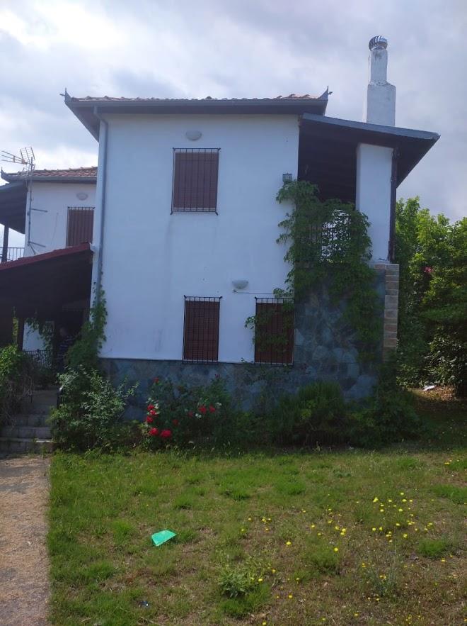 LEPTOKARIJA na prodaju kuća 100m², plac 1000m²/10ari