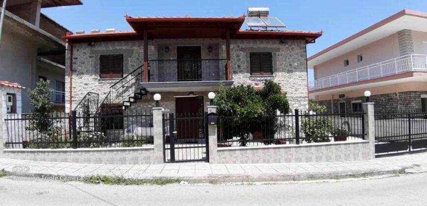 LEPTOKARIJA na prodaju kuća 180m² sa tri stana