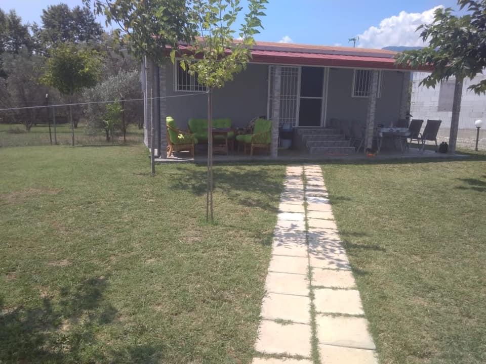 LEPTOKARIJA na prodaju kuća 50m², plac 274m²