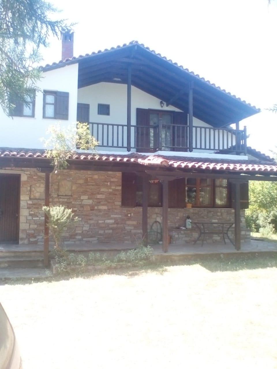LEPTOKARIJA na prodaju kuća 100m², plac 1500m²/15ari
